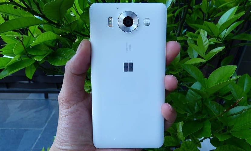 Diseño Lumia 950