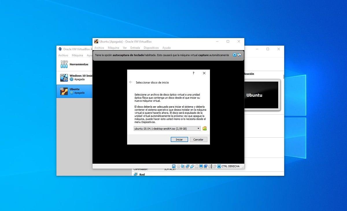 Crear máquina virtual con Ubuntu en VirtualBox: insertar disco de instalación